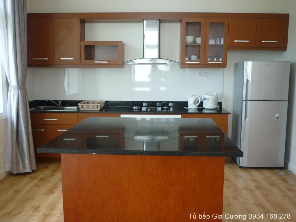 Tủ bếp đảo bếp gỗ Xoan đào